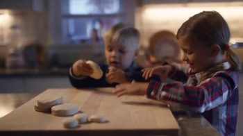 Pillsbury TV Spot, 'Friendsgiving' - Thumbnail 2