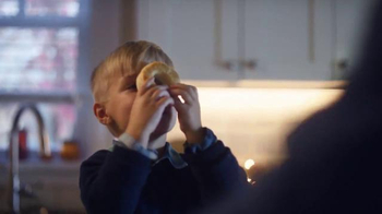 Pillsbury TV Spot, 'Friendsgiving' - Thumbnail 4