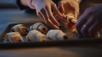 Pillsbury TV Spot, 'Friendsgiving' - Thumbnail 5