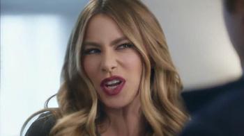 Head & Shoulders Dry Scalp Care TV Spot, 'Winter' Featuring Sofia Vergara - Thumbnail 5
