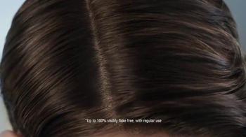 Head & Shoulders Dry Scalp Care TV Spot, 'Winter' Featuring Sofia Vergara - Thumbnail 7