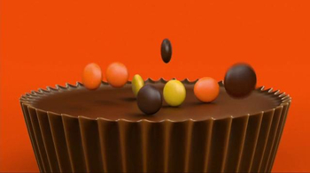 Reese's Pieces Peanut Butter Cups TV Spot, 'Trap' Song by TNGHT - Thumbnail 2