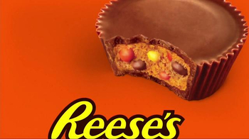 Reese's Pieces Peanut Butter Cups TV Spot, 'Trap' Song by TNGHT - Thumbnail 5