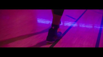 Under Armour Curry 3 TV Spot, 'Make That Old' Featuring Stephen Curry - Thumbnail 2