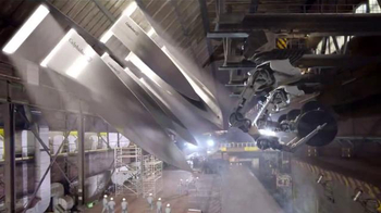 Calphalon Self-Sharpening Cutlery TV Spot, 'Factory'