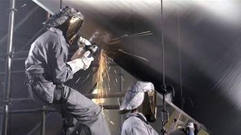 Calphalon Self-Sharpening Cutlery TV Spot, 'Factory' - Thumbnail 4