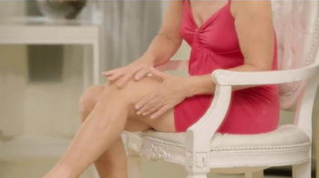 Crepe Erase TV Spot, 'Winter Skin' Featuring Jane Seymour, Dara Torres - Thumbnail 3