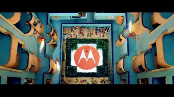 Motorola Moto Z Droid TV Spot, 'Hellomoto: Different Is Better' - Thumbnail 6