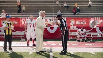 KFC $10 Chicken Share TV Spot, 'Bad Call' Featuring Rob Riggle - Thumbnail 7