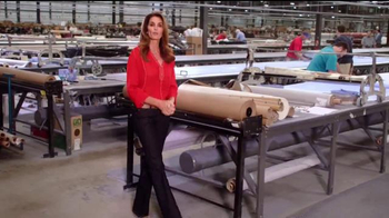 Rooms to Go Cindy Crawford Home TV Spot, 'American-Made' Ft. Cindy Crawford - Thumbnail 2