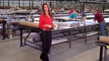 Rooms to Go Cindy Crawford Home TV Spot, 'American-Made' Ft. Cindy Crawford - Thumbnail 3