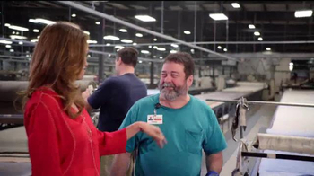Rooms to Go Cindy Crawford Home TV Spot, 'American-Made' Ft. Cindy Crawford - Thumbnail 4