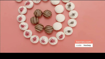 Shari's Berries TV Spot, 'Season of Sharing' - Thumbnail 7