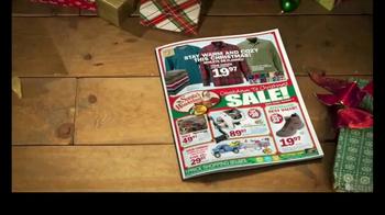 Bass Pro Shops Countdown to Christmas Sale TV Spot, 'Jeans & Fryer' - Thumbnail 2