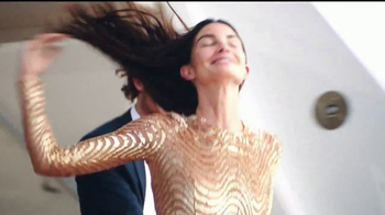 Michael Kors Wonderlust TV Spot, 'Deseo' con Lily Aldridge [Spanish] - Thumbnail 3