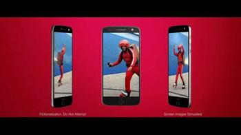 Motorola Moto Z Droid TV Spot, 'Hellomoto: Trade In' - Thumbnail 5