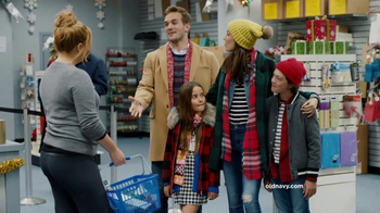 Old Navy TV Spot, 'Ex-Boyfriend' Featuring Amy Schumer - Thumbnail 6