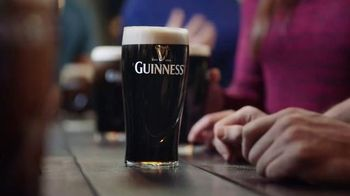 Guinness TV Spot, 'St. Patrick's Day: Respect the Beer' - Thumbnail 7