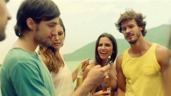 Corona Extra TV Spot, 'Desconectar para conectar' [Spanish] - Thumbnail 8