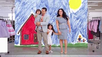 Burlington Coat Factory TV Spot, 'La Familia Bustos' [Spanish] - Thumbnail 9