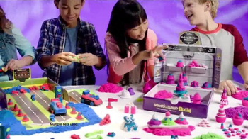 Kinetic Sand Build TV Spot, 'A Whole New Way to Play' - Thumbnail 2