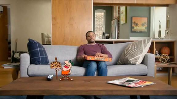 Little Caesars Hot-N-Ready Pizza TV Spot, 'Tipoff' - Thumbnail 9