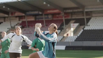 Always Infinity TV Spot, 'Because I'm a Woman' Featuring Stephanie Labbe - Thumbnail 3