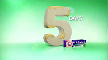 Arm and Hammer Truly Radiant Clean & Fresh TV Spot, 'Waterfall' - Thumbnail 4