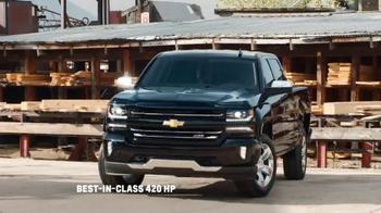 2016 Chevrolet Silverado TV Spot, 'Saws: Best Tool for the Job' - Thumbnail 8