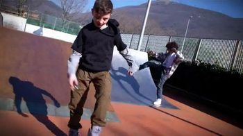 YoYo Ball TV Spot, 'Skate Park' - Thumbnail 5