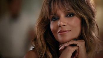 Revlon TV Spot, 'Choose Love: Date Night' Featuring Halle Berry - Thumbnail 4