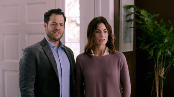 Time Warner Cable Home Wi-Fi TV Spot, 'Open House' - Thumbnail 2