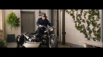 Amazon Echo TV Spot, 'Traffic' Featuring Alec Baldwin, Jason Schwartzman - Thumbnail 6