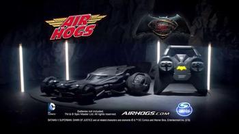 Air Hogs RC Batmobile TV Spot, 'Chase Through Gotham' - Thumbnail 6