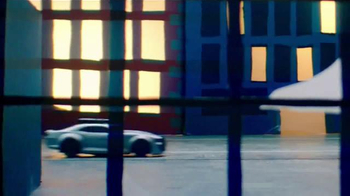 Air Hogs RC Batmobile TV Spot, 'Chase Through Gotham' - Thumbnail 4