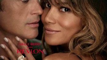 Revlon ColorStay 2-in-1 TV Spot, 'Elige amor' con Halle Berry [Spanish] - Thumbnail 1