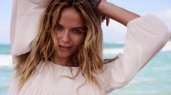Express TV Spot, 'Express Yourself' Ft. Natasha Poly, Song by Neneh Cherry