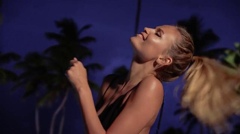 Express TV Spot, 'Express Yourself' Ft. Natasha Poly, Song by Neneh Cherry - Thumbnail 3