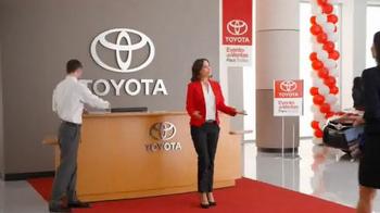 Toyota Evento de Ventas Para Todos TV Spot, 'Carro azul' [Spanish] - Thumbnail 1