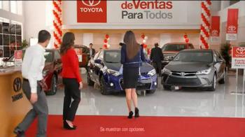 Toyota Evento de Ventas Para Todos TV Spot, 'Carro azul' [Spanish] - Thumbnail 3