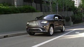 2016 Jeep Cherokee Latitude TV Spot, 'Emerald City: Landscape' - Thumbnail 1
