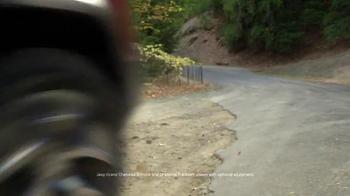 2016 Jeep Cherokee Latitude TV Spot, 'Emerald City: Landscape' - Thumbnail 6