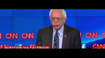 Bernie 2016 TV Spot, 'Breaking Down Walls' - Thumbnail 7