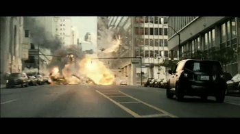 Jeep Renegade Special Edition TV Spot, 'Dawn of Justice: Into the Storm' - Thumbnail 2