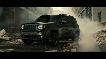 Jeep Renegade Special Edition TV Spot, 'Dawn of Justice: Into the Storm' - Thumbnail 5