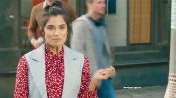 Old Navy TV Spot, 'Pantalones' con Diane Guerrero, canción de Lil Dicky - Thumbnail 2