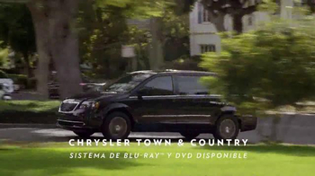 Chrysler TV Spot, 'sinfonía automotriz' cancion de BØRNS [Spanish] - Thumbnail 7