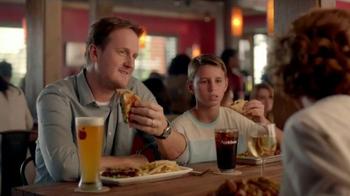 Applebee's 2 for $20 Fan Favorites TV Spot, 'Bourbon Street' - Thumbnail 6
