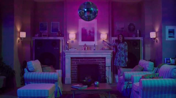 Air Wick Life Scents Room Mist TV Spot, 'Lively Home' - Thumbnail 9