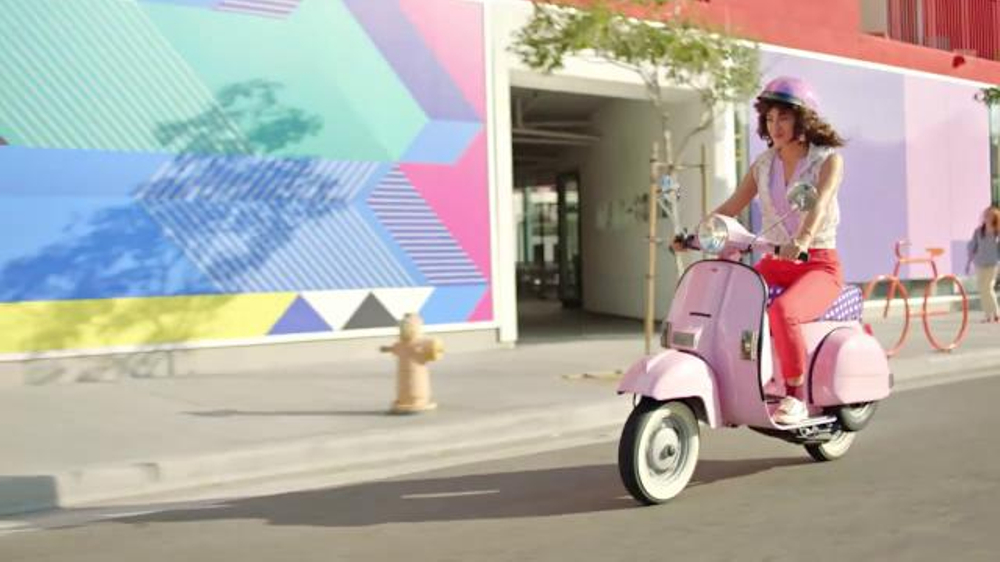 Dannon Light & Fit Protein Smoothie TV Commercial, 'On the Move'